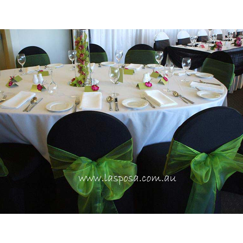 ROUND TABLE CLOTH IN WHITE