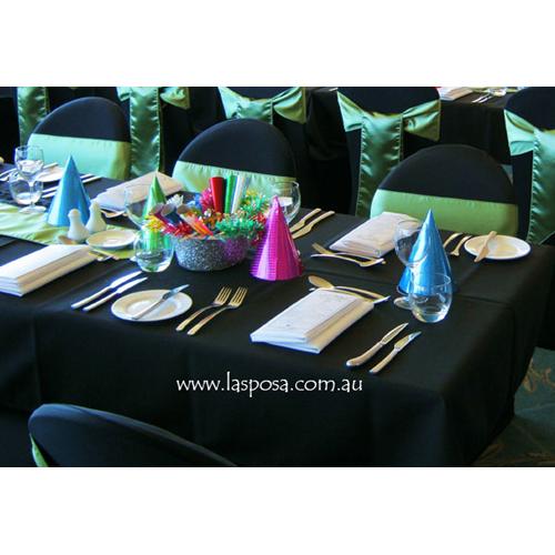 SQUARE TABLE CLOTH IN BLACK